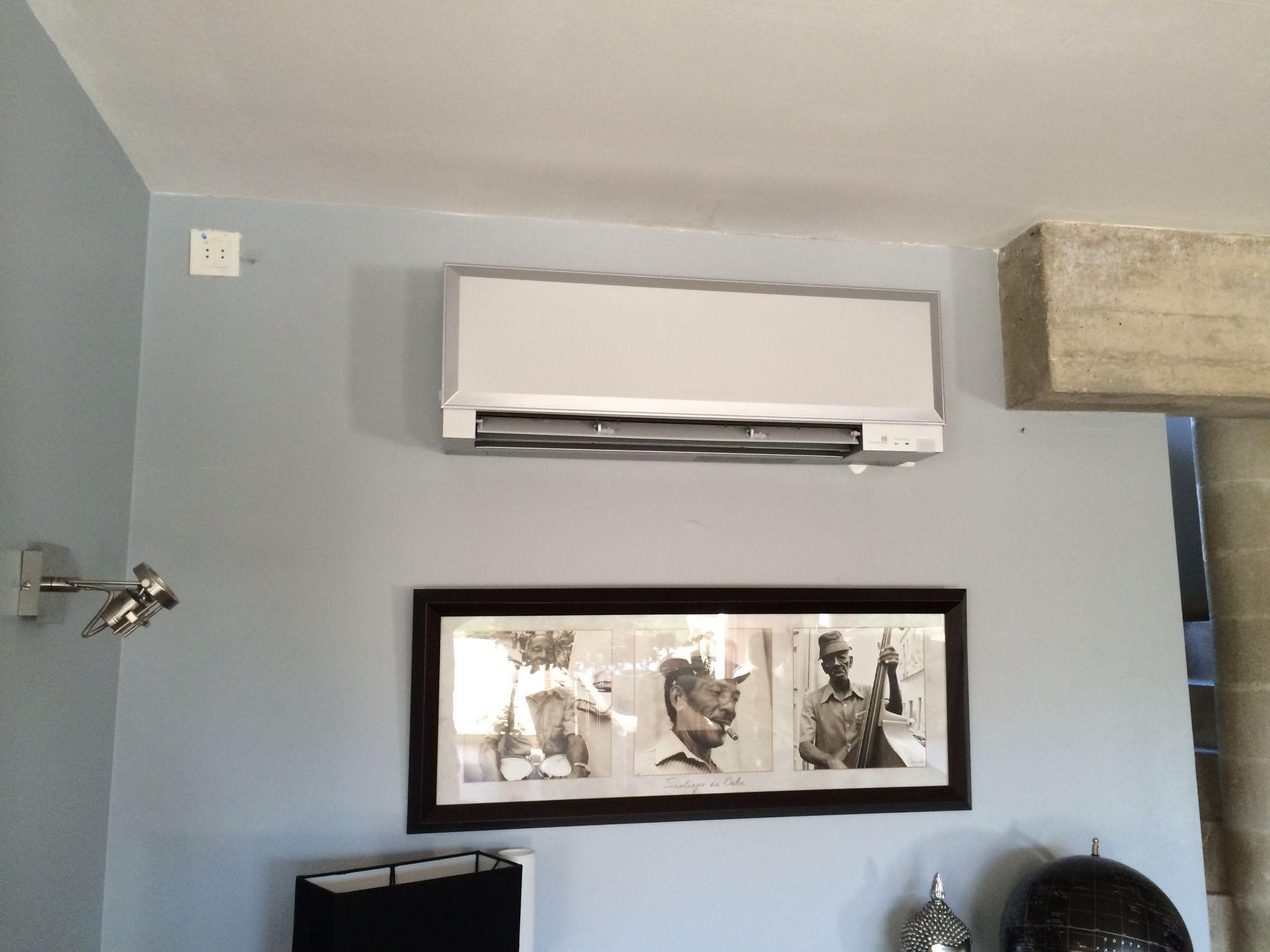 vente et raccordement d 39 une climatisation r versible dans un loft aix en provence bouches du. Black Bedroom Furniture Sets. Home Design Ideas