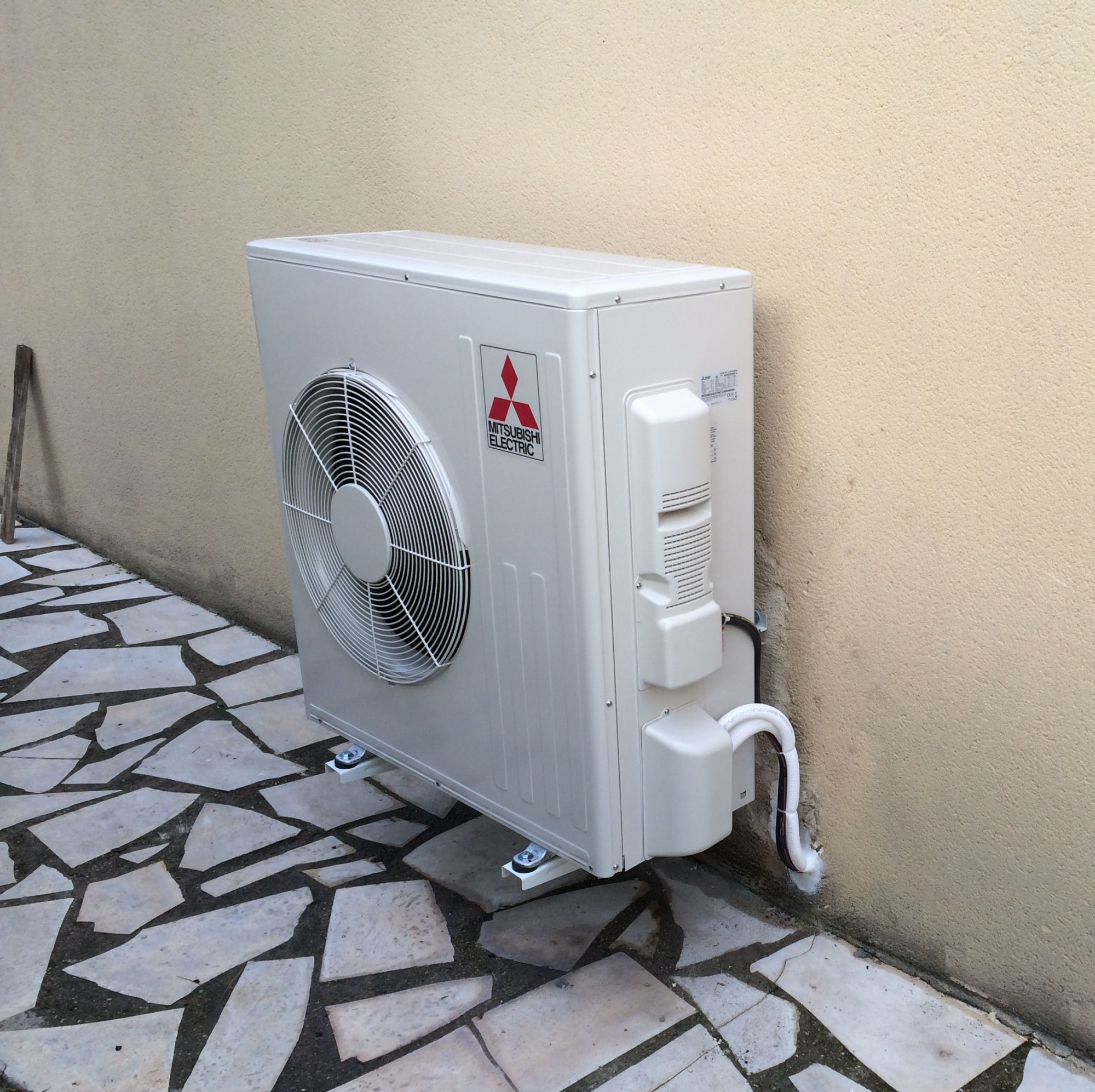 Implantation d 39 une pompe chaleur air air dans une maison - Pompe a chaleur maison ...