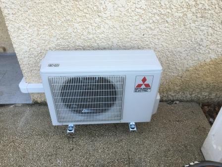 installation d'une pompe à chaleur air/air dans villa à gordes